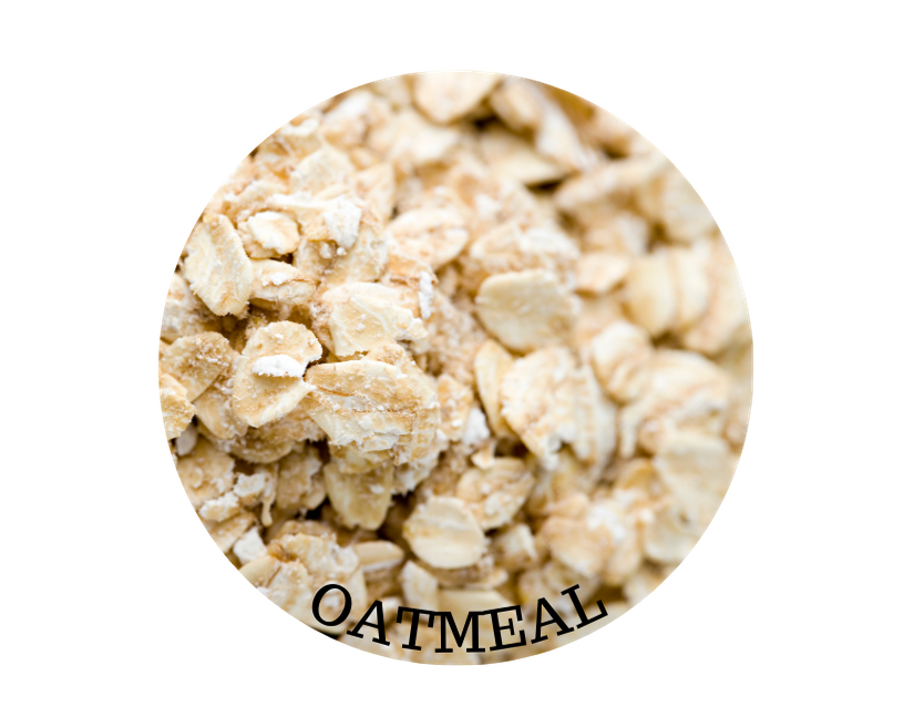 CLOSE UP IMAGE OF OATMEAL